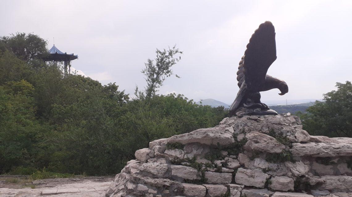 Скульптура Орла в Пятигорске (круговая панорама)